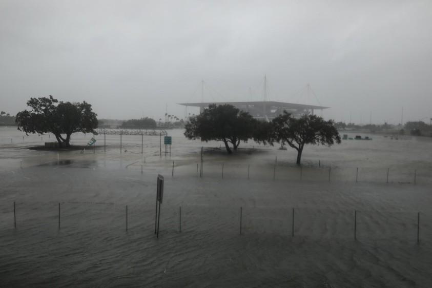 Donald Trump declaró este domingo el estado de catástrofe natural en Florida para socorrer a la península azotada por el gigantesco huracán Irma. FOTO REUTERS