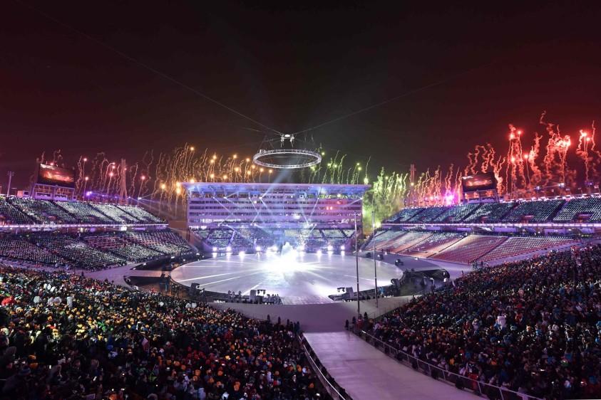 Los Juegos-2018, bautizados como los 'Juegos de la Paz' por Corea del Sur, estarán marcados por el inusitado acercamiento entre las dos Coreas, enemigas históricas y aún oficialmente en estado de guerra, desde 1953. FOTO AFP