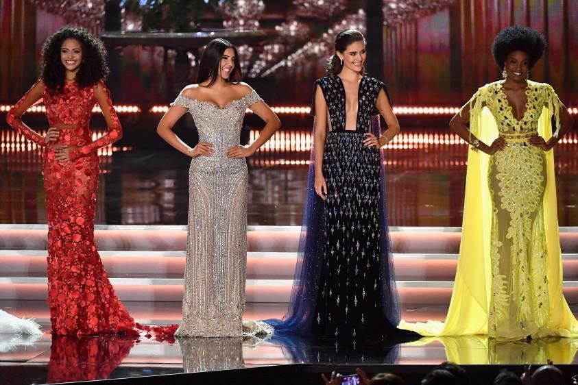 Aquí en el grupo de 10 finalistas junto a Brasil, Tailandia y Jamaica. FOTO AFP