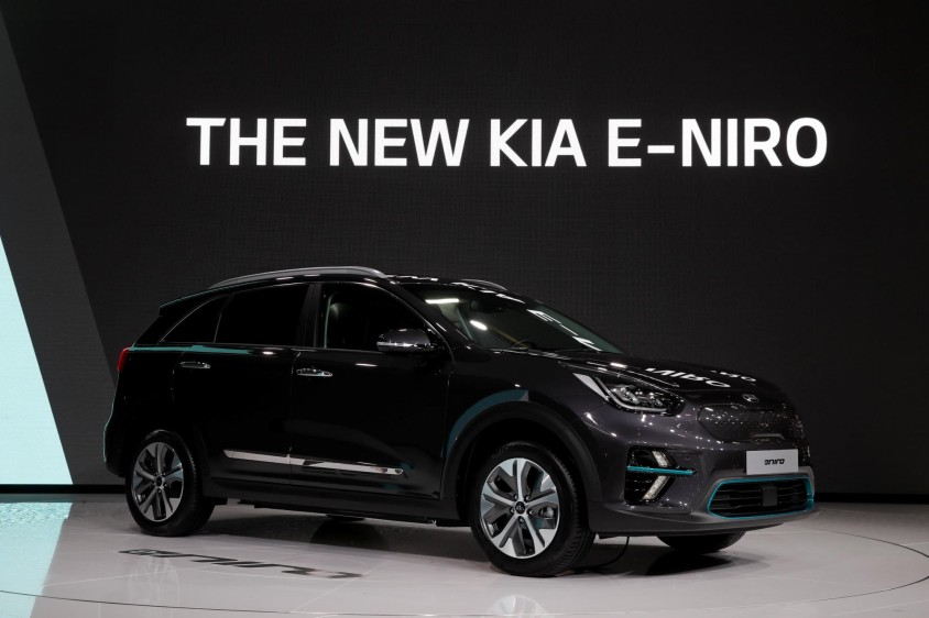 Kia E-Niro. Su segundo modelo eléctrico para el mercado europeo, el Niro, que tiene una batería de alta capacidad de polímero de iones de litio con 64 kWh que le permite recorrer hasta 485 kilómetros con una sola carga. FOTO REUTERS