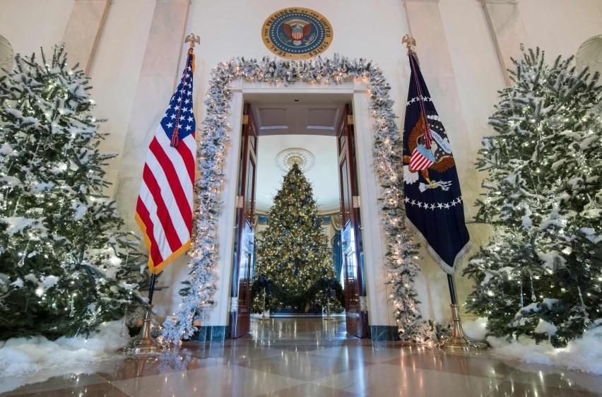 La Casa Blanca divulgó también un vídeo en el que la esposa de Trump adopta un papel estelar al mostrar la residencia. FOTO AFP