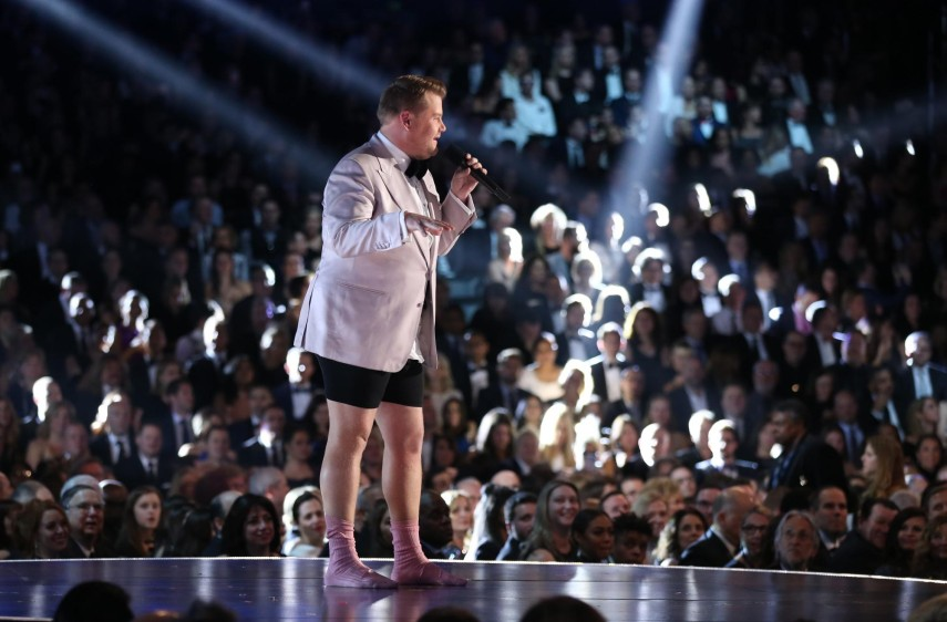 James Corden al inicio de la ceremonia. FOTO Reuters