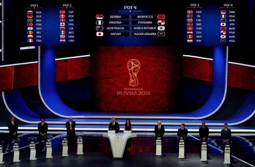 En el Palacio de Kremlin, en Moscú, las 32 selecciones clasificadas conocieron su suerte en la fase de grupos del Mundial. FOTO EFE