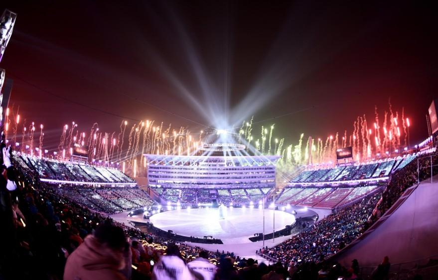 La ceremonia inaugural de los Juegos Olímpicos de Invierno de 2018 comenzó este viernes poco después de las en Pyeongchang (Corea del Sur), donde se desarrollarán las competiciones hasta el 25 de febrero. FOTO EFE