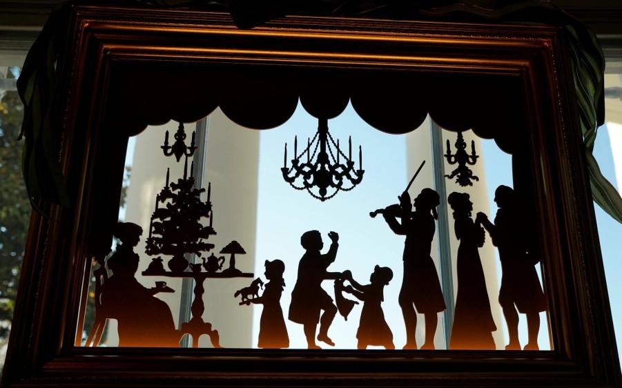 Mediante el homenaje al compositor ruso, la decoración también busca destacar el importante papel de la música a lo largo de 200 años. FOTO AFP