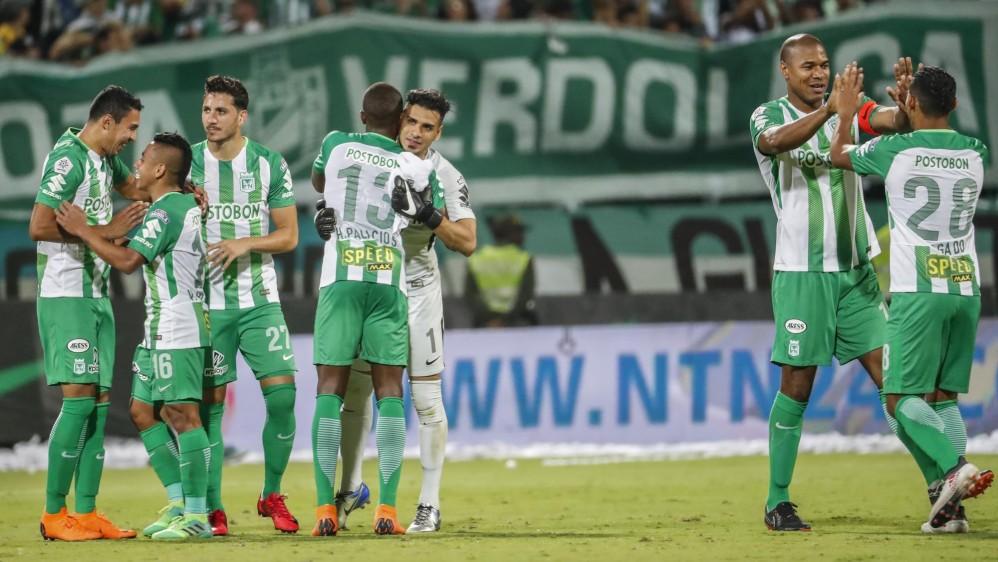 Los jugadores de Nacional celebraron al final del clásico su triunfo. Foto: Róbinson Sáenz