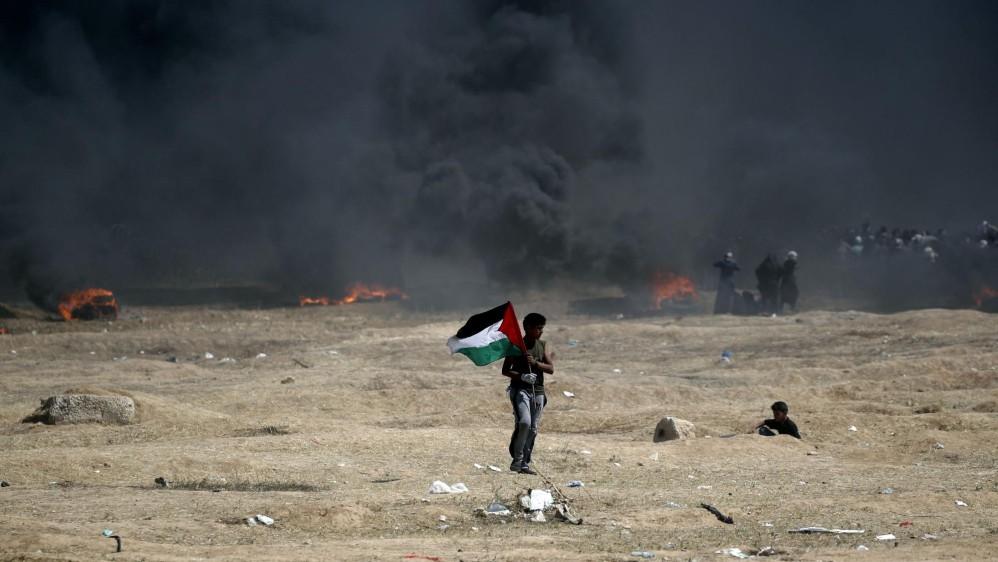 Luego del anuncio de Estados Unidos de abrir una embajada en Jerusalén, cientos de palestinos iniciaron protestas en la franja de Gaza, lo que llevó a una represión con armas letales del ejército israelí que ya deja más de 58 muertos y 2.700 heridos por las balas. Foto: AFP