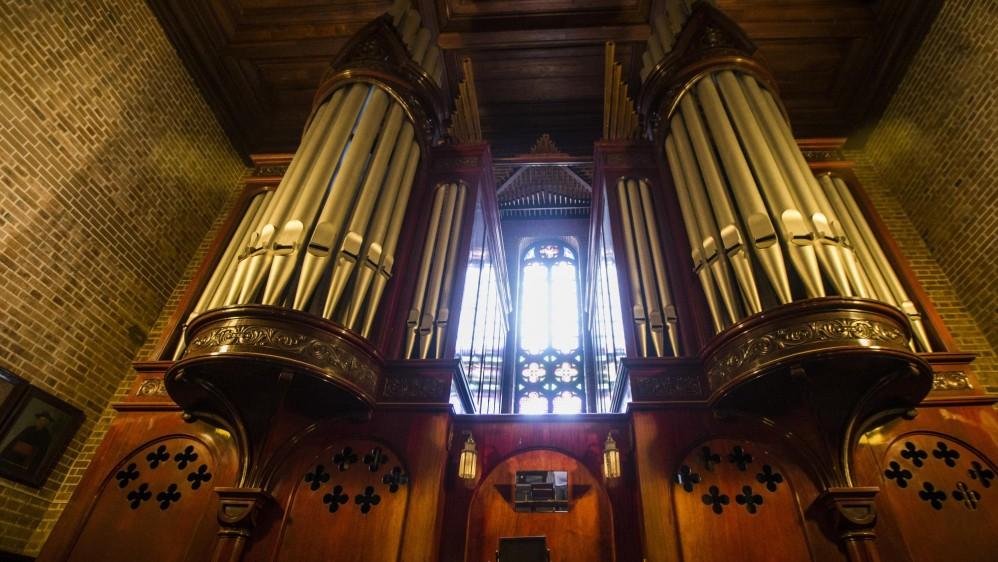 El órgano está a la altura de la catedral, la casa alemana E.F. Walcker & Cía. ofreció uno fabricado en roble; sin embargo, en Medellín solicitaron que la madera debía ser nativa del trópico para que fuera lo suficientemente resistente. FOTO JULIO CÉSAR HERRERA