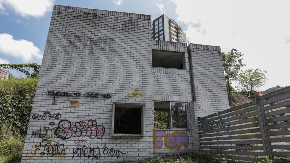La juez Primera Penal del Circuito de Medellín aseguró que la edificación no era apta ni siquiera para soportar su propio peso. Foto Robinson Sáenz