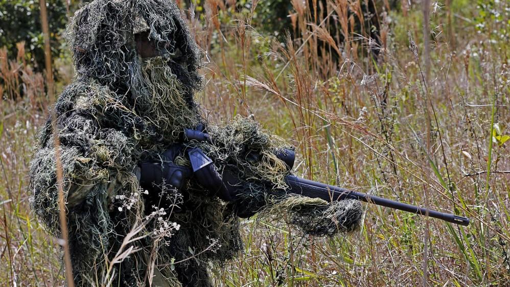 Los tiradores usan un rifle Sig Sauer 3.000, con munición Winchester americana calibre .308 y mira de 14X. El observador que los acompaña y protege lleva un fusil Troy calibre 5.56 /Henry Agudelo.