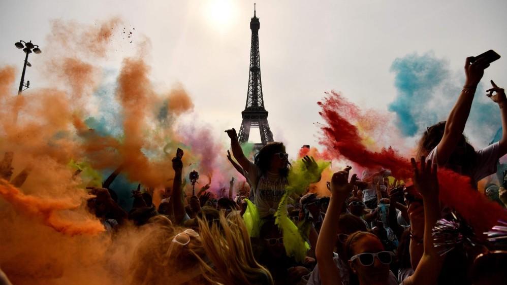 El Color Run es una carrera de pintura de cinco kilómetros sin ganadores ni premios: Foto: CHRISTOPHE SIMON