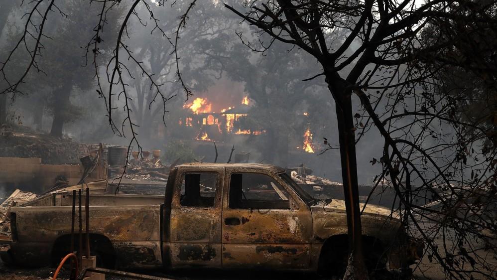 Hasta 1.500 edificios han sido destruidos y más de 103.000 personas se encuentran sin gas ni electricidad, especialmente en los condados de Napa y Sonoma, dos de las zonas más dañadas. FOTO EFE