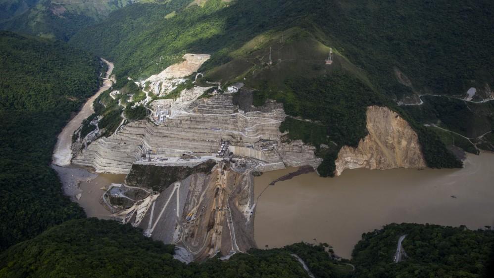 Represa Hidroituango durante la falla que causó la emergencia en varios municipios por el posible colapso de la presa de EPM. Foto: Esteban Vanegas