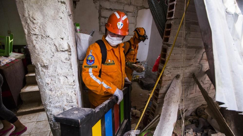 Además del edificio de tres viviendas, una cuarta estructura, que colindaba con el edificio, resultó con daños. Foto: Carlos Velásquez