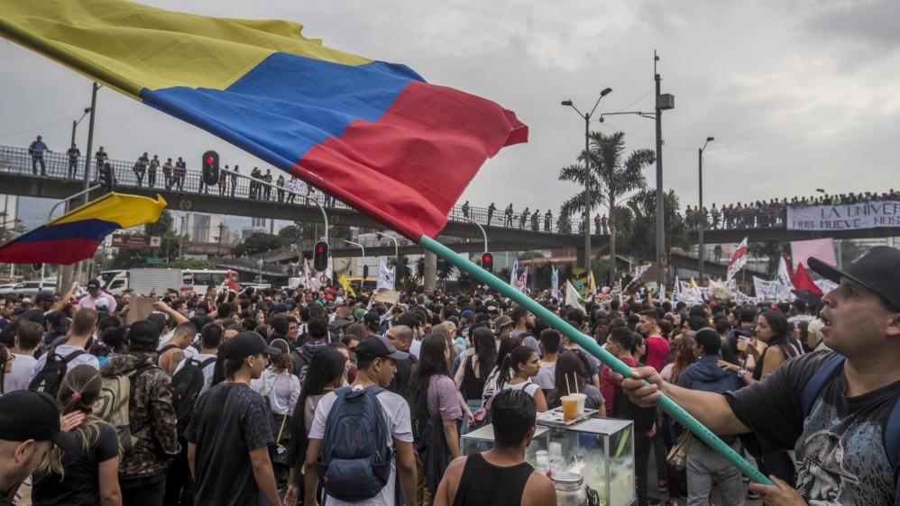 En Medellín la marcha se inició en el Parque de los Deseos, pasó luego por la Avenida Ferrocarril hasta la Avenida las Vegas y terminó en el Politécnico Jaime Isaza Cadavid. Foto Santiago Mesa