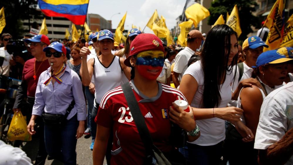 """Mientras el chavismo promueve esta movilización como una """"marcha histórica"""" de los revolucionarios, la oposición ha calificado la suya como """"la mamá de las marchas"""". FOTO REUTERS"""
