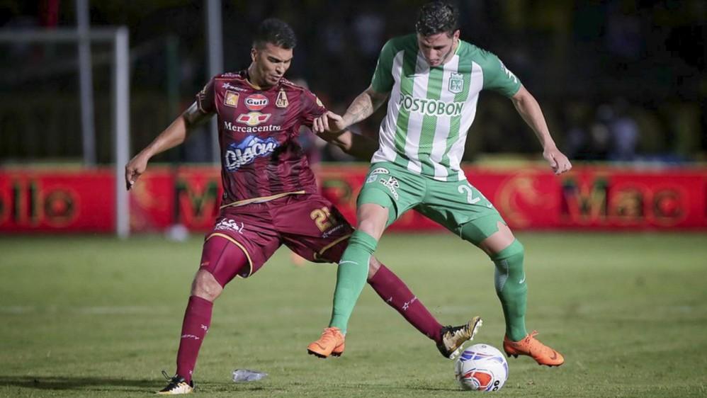 Una genialidad del atacante Dayro Moreno le dio la ventaja al verde este miércoles 1-0 ante el Tolima en la ciudad de Ibagué. Foto: Luisa González, Colprensa
