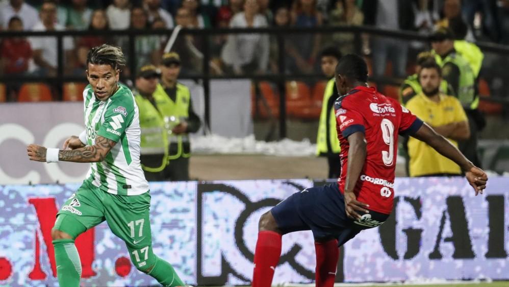 Dayro Moreno fue una pesadilla para los defensa del Medellín. A pesar de la fuerte marca, fue el encargado de abrir el marcador a los 28 minutos. FOTOS JAIME PÉREZ Y ROBINSON SÁENZ