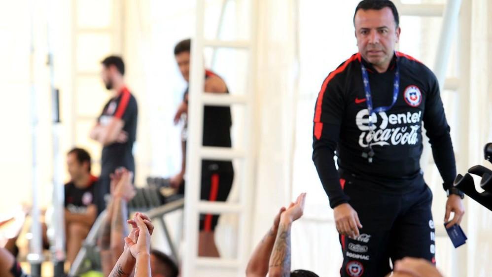 El preparador físico Eduardo Velasco es el encargado de los trabajos en el gimnasio y del acondicionamiento de los jugadores. FOTO TOMADA DE TWITTER SELECCIÓN CHILENA